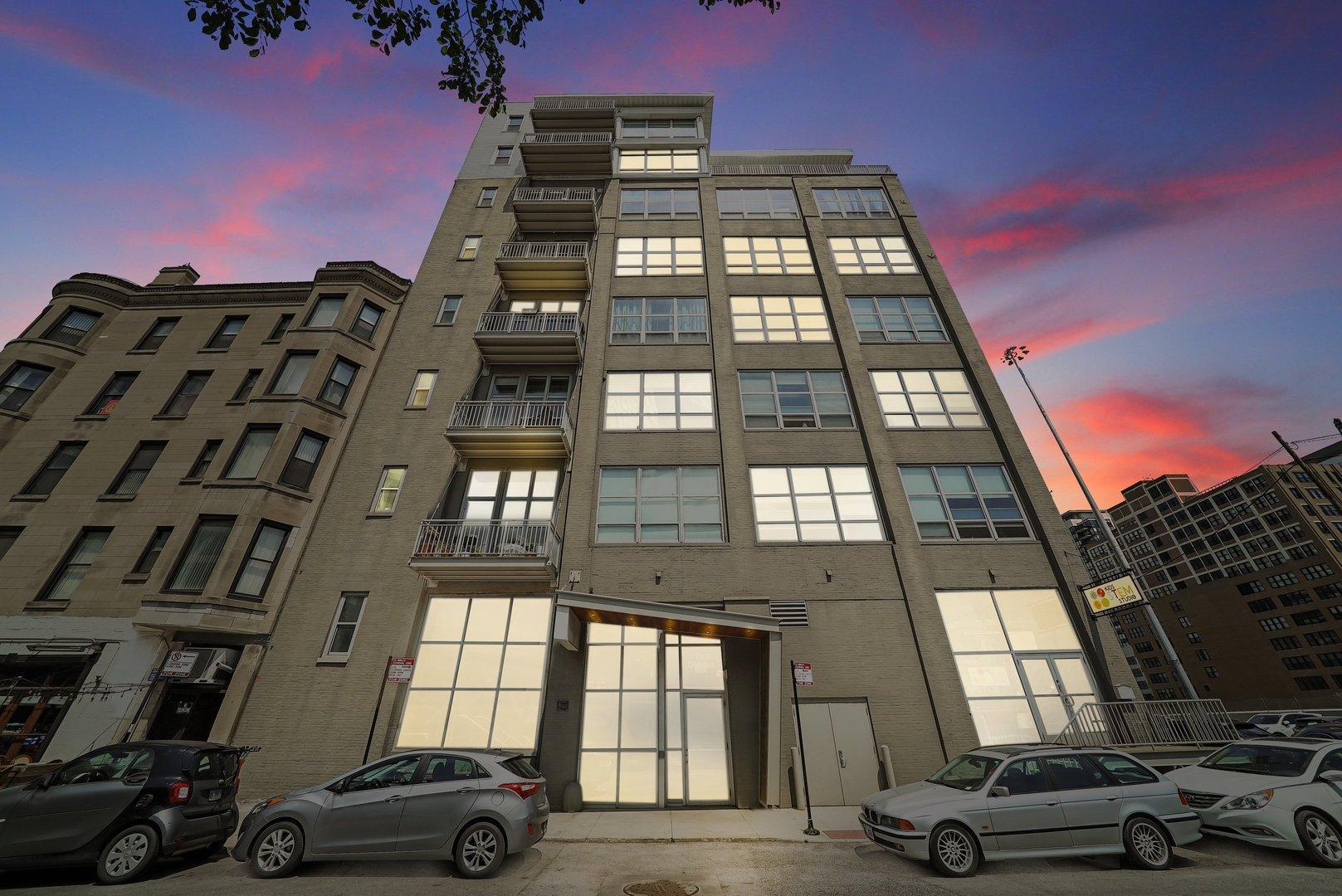 770 W Gladys Avenue Unit 509, Chicago IL 60661