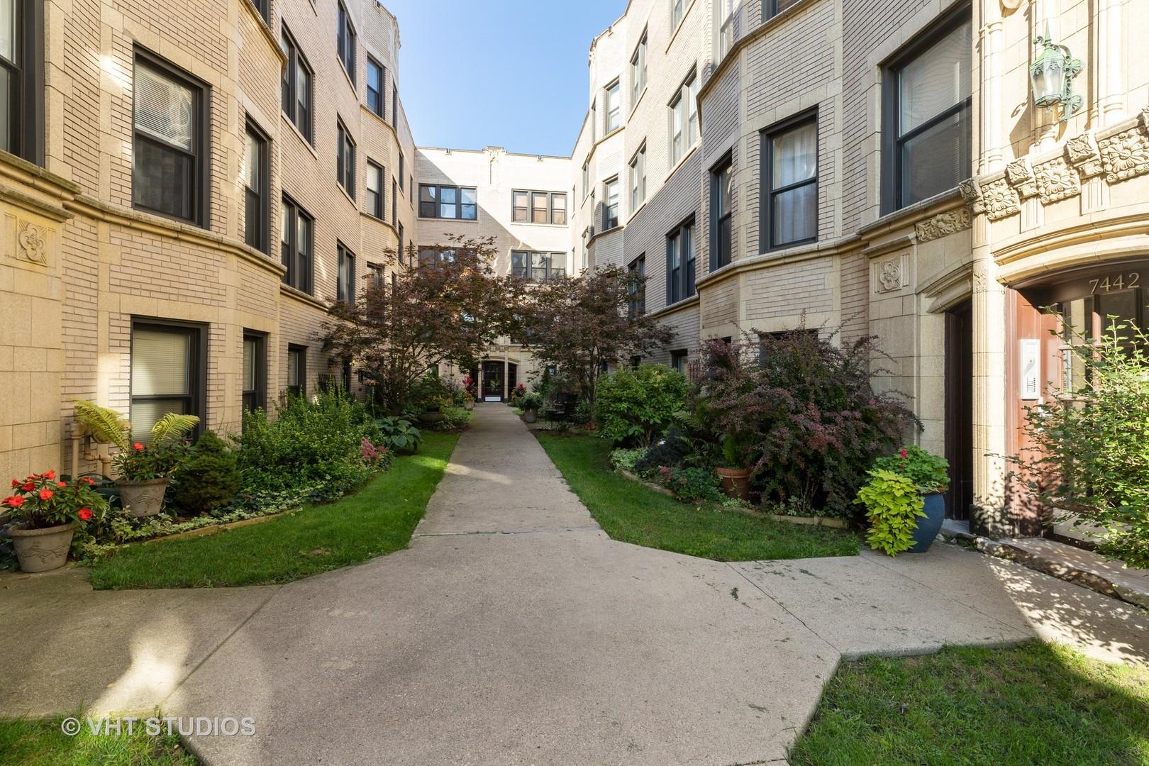 7442 N Hermitage Avenue Unit 2K, Chicago IL 60626