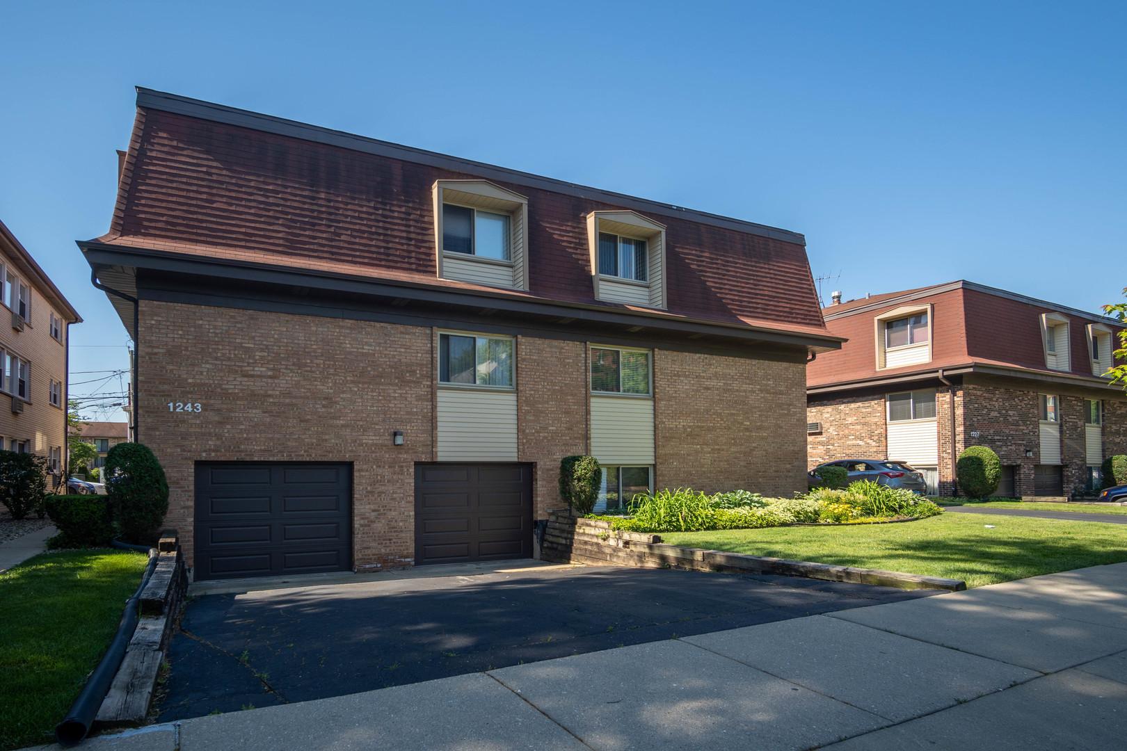 1243 E Washington Street Unit C203, Des Plaines IL 60016