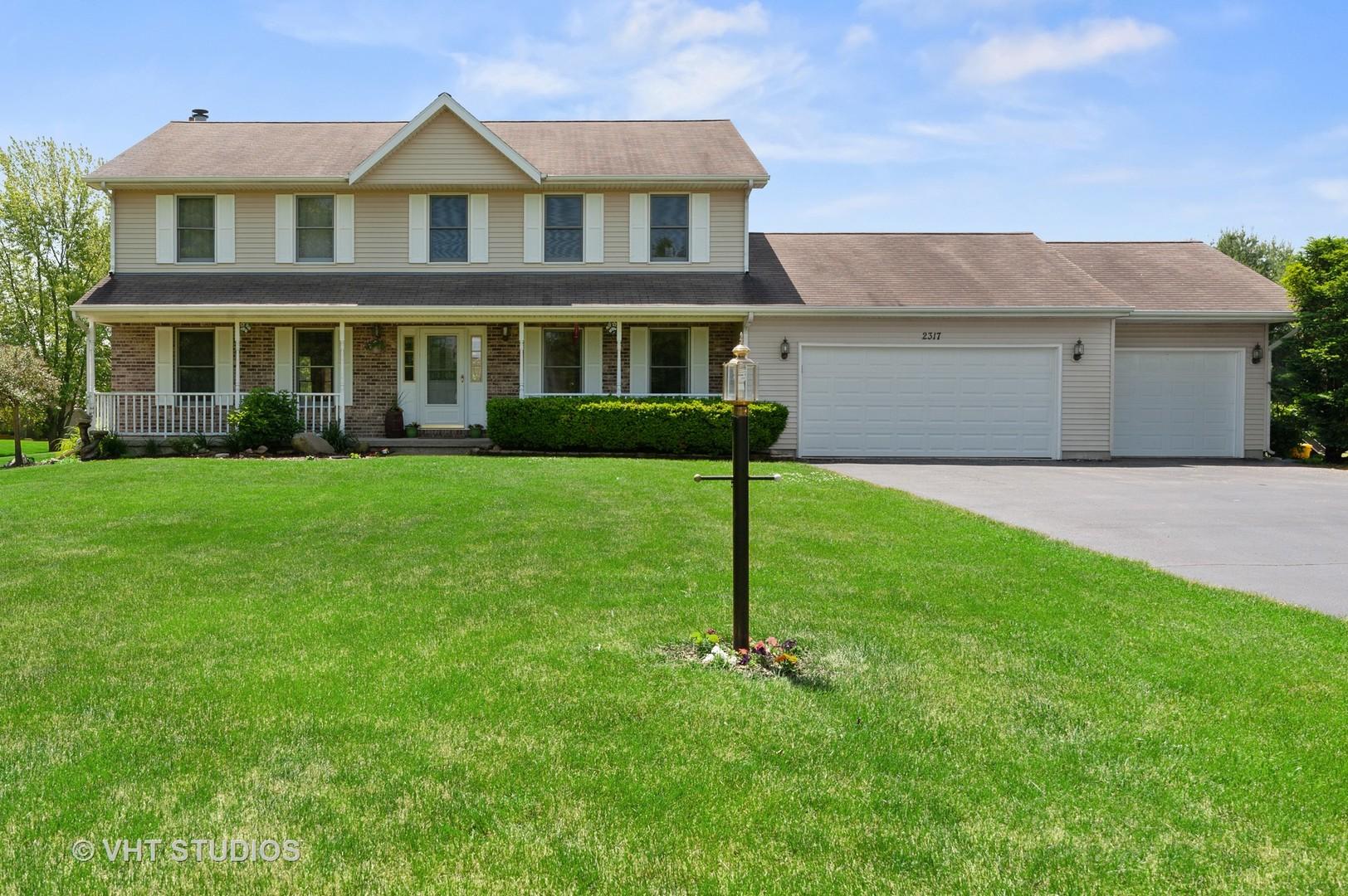 2317 Fox Bluff Lane, Spring Grove IL 60081
