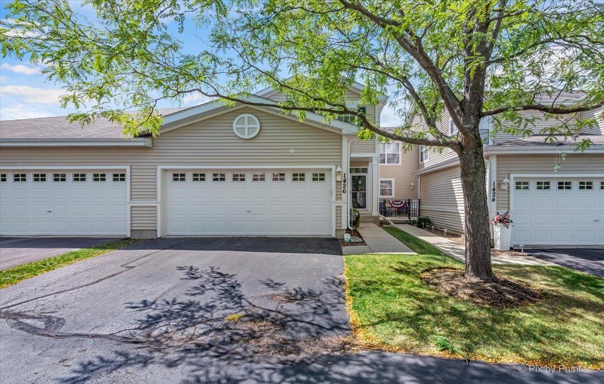 1426 W Remington Lane, Round Lake IL 60073