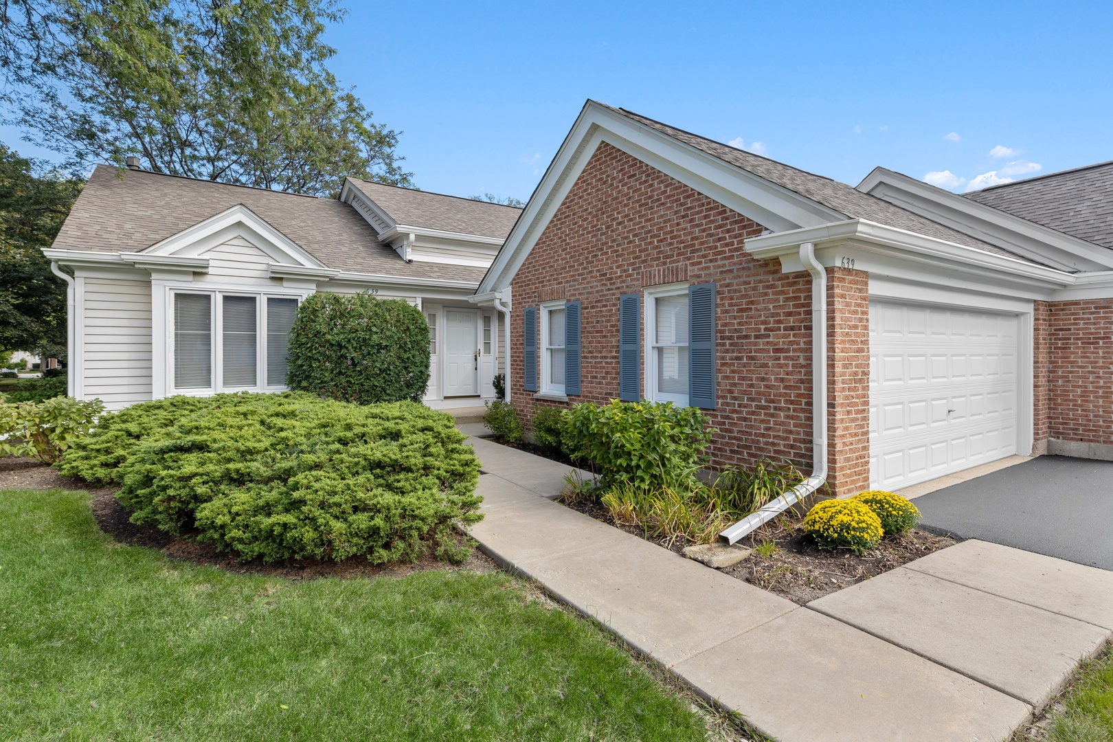 639 Stirling Lane, Prospect Heights IL 60070
