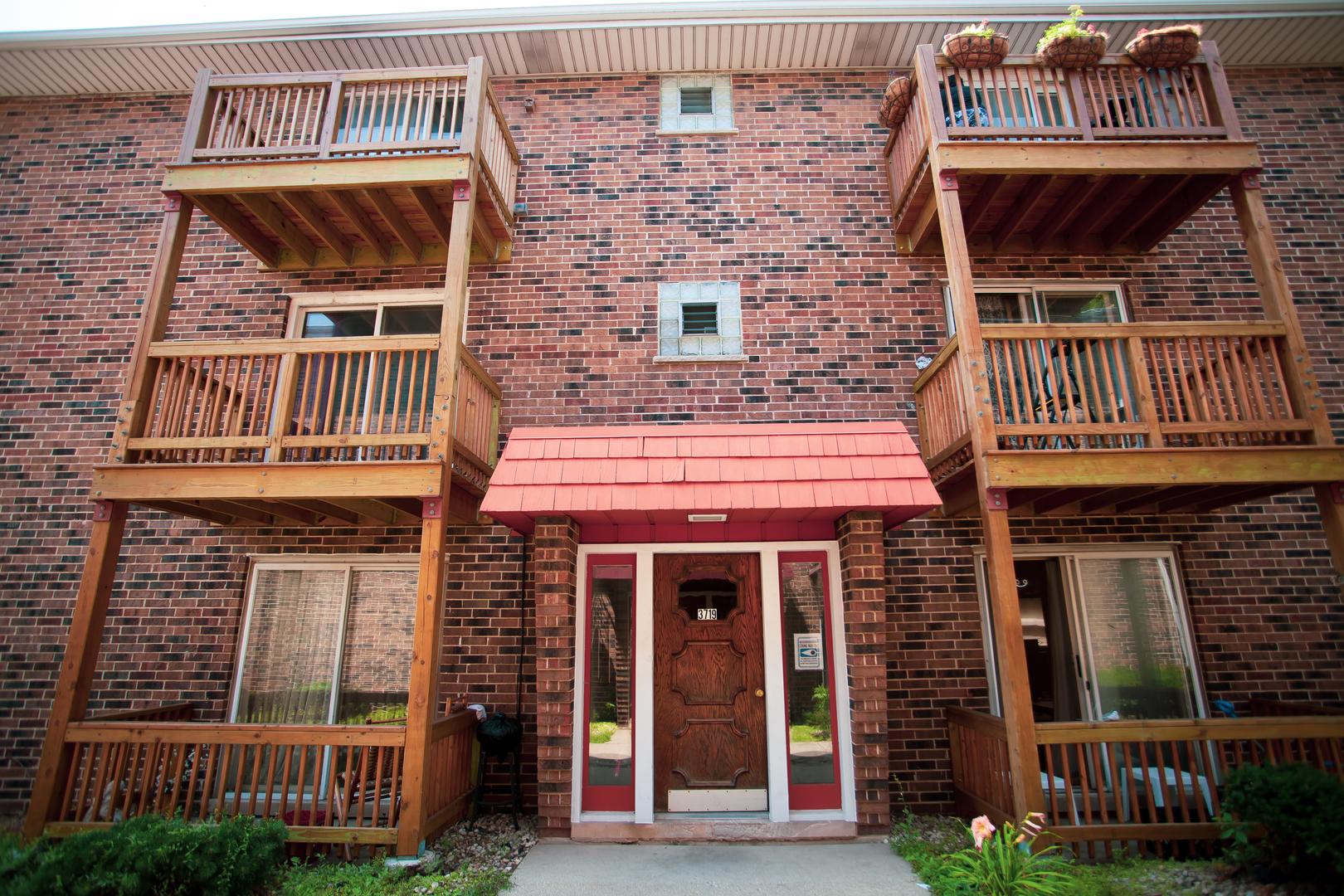 3719 W Devon Avenue Unit 3A, Chicago IL 60659