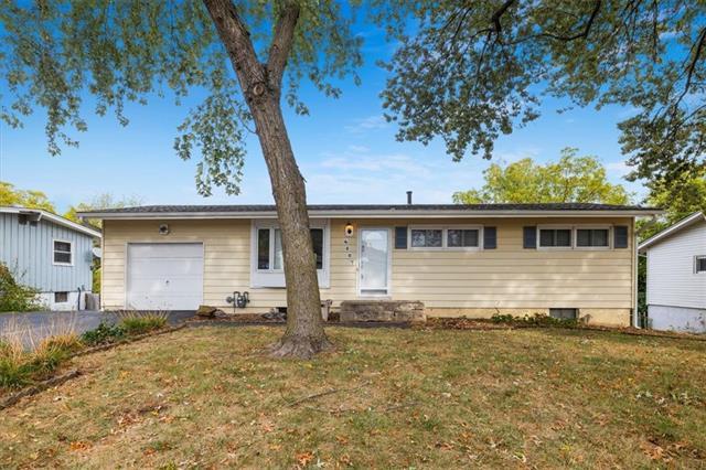 6807 NW MONTROSE Street, Kansas City MO 64151