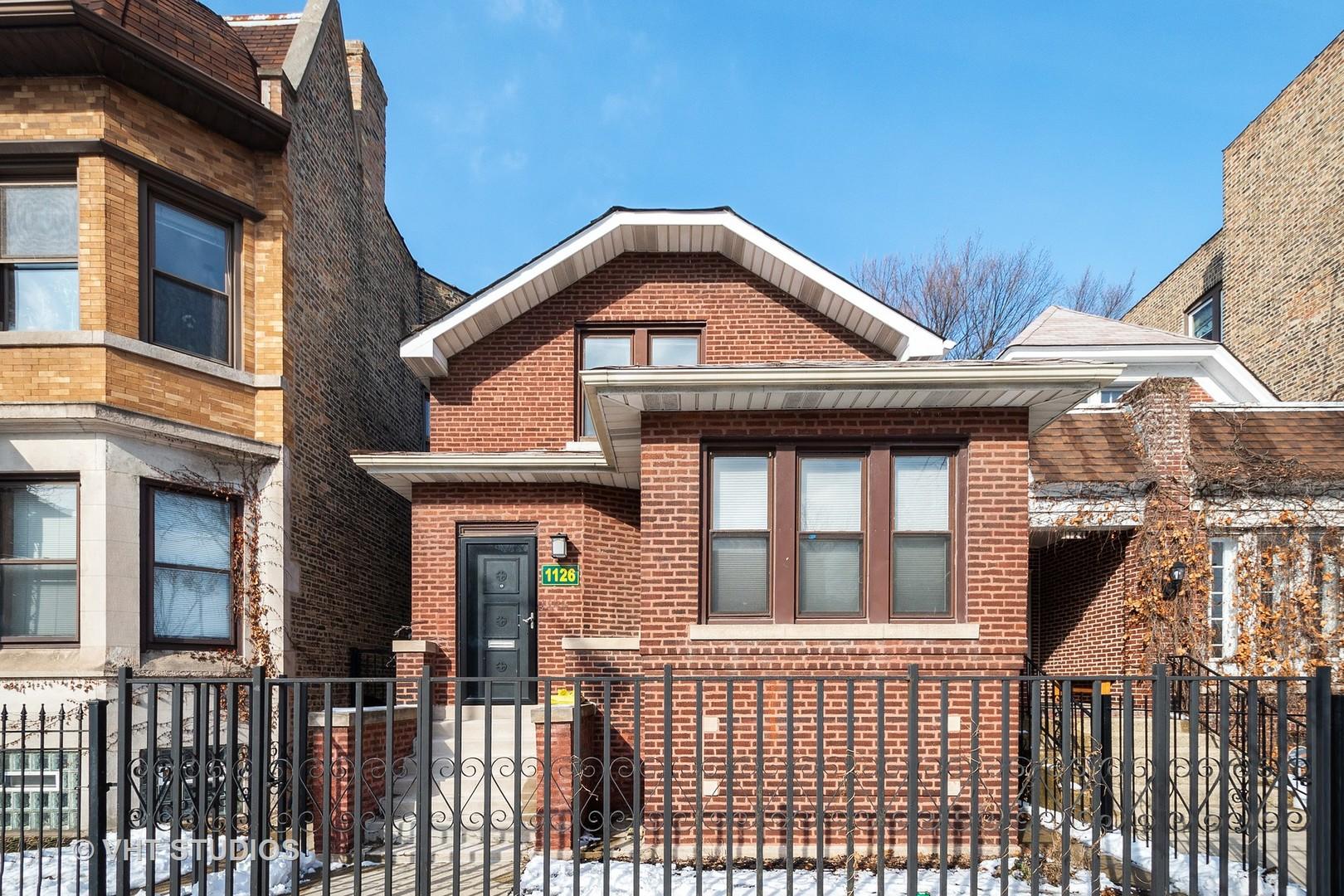 1126 W Addison Street, Chicago IL 60613