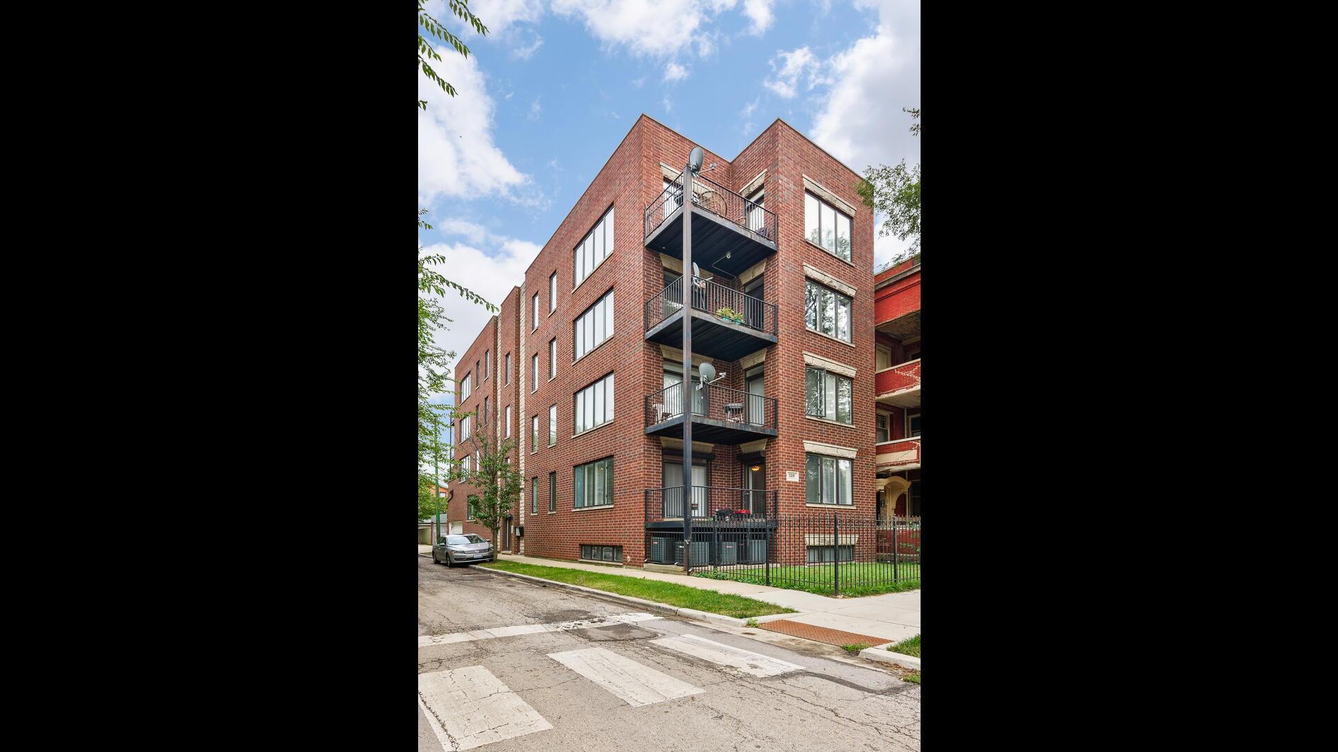 5219 S Michigan Avenue Unit 1W, Chicago IL 60615