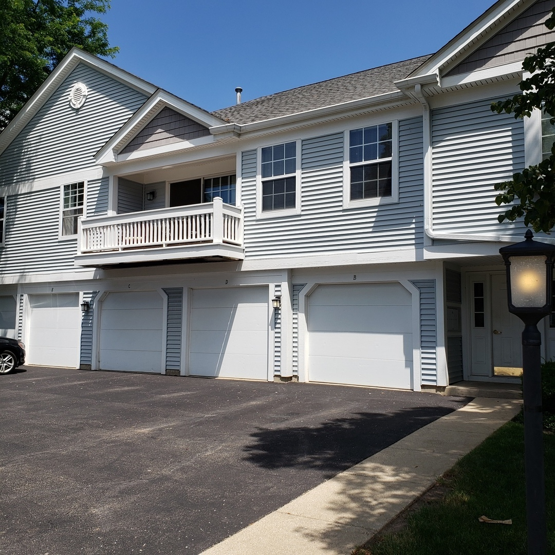 1229 Bradwell Lane Unit E, Mundelein IL 60060