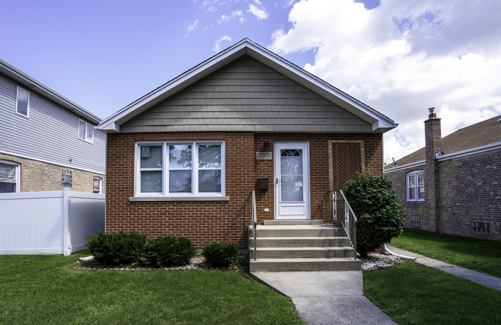 5745 S NEVA Avenue, Chicago IL 60638