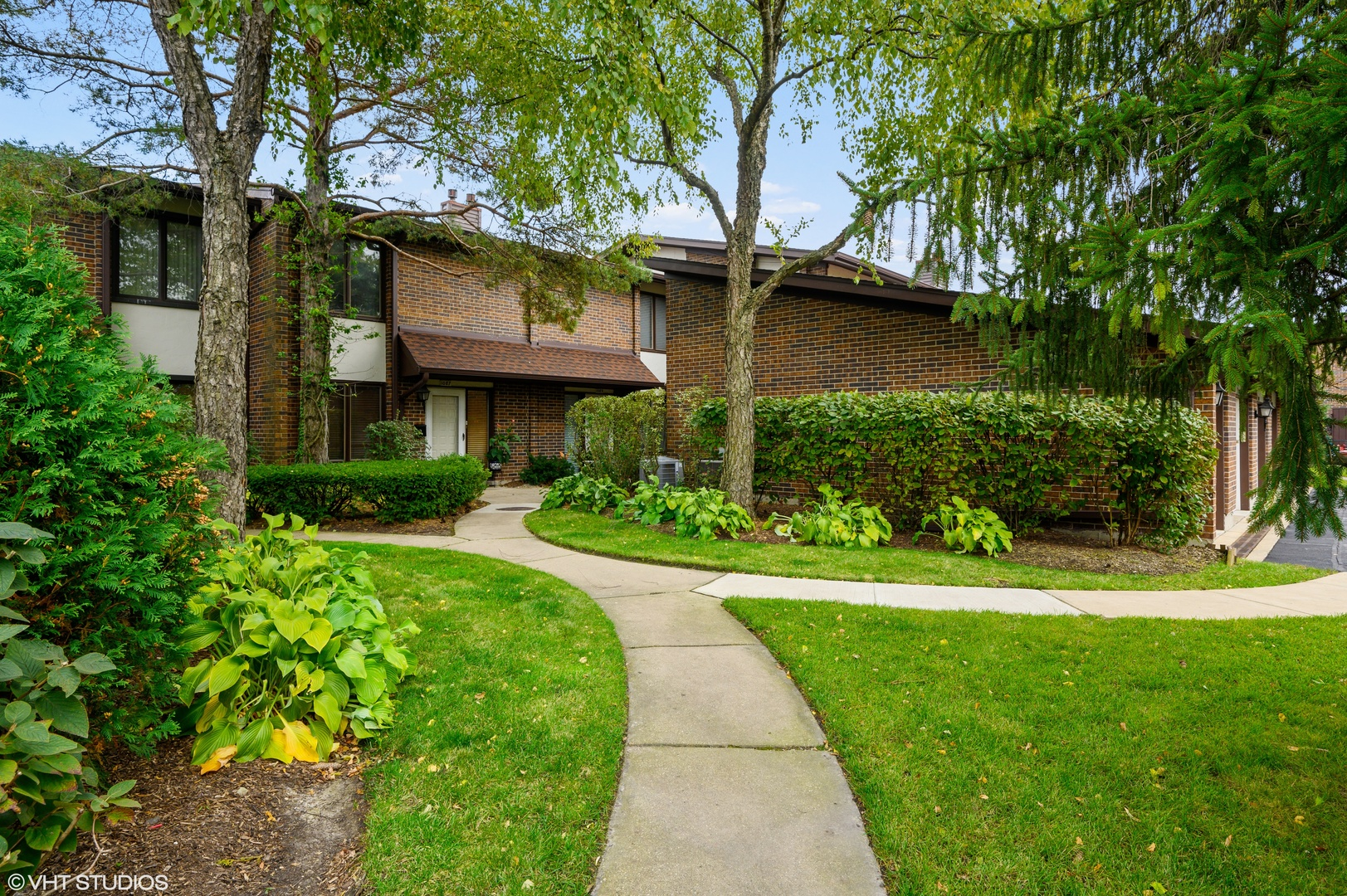 1081 Deerfield Place, Highland Park IL 60035