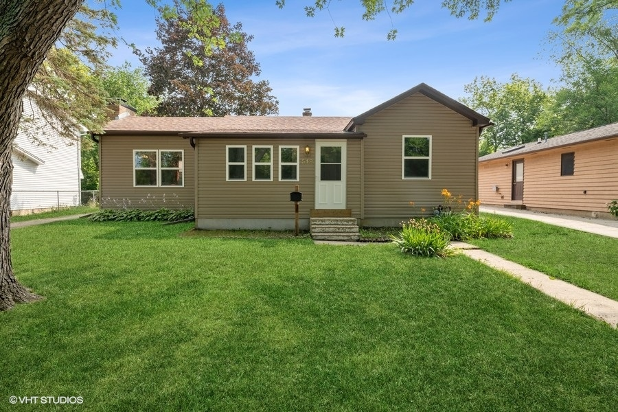 519 Forest Glen Drive, Round Lake Park IL 60073