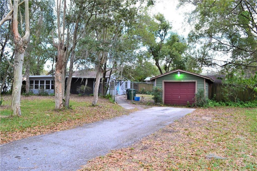 1804 W HENRY AVE, Tampa FL 33603