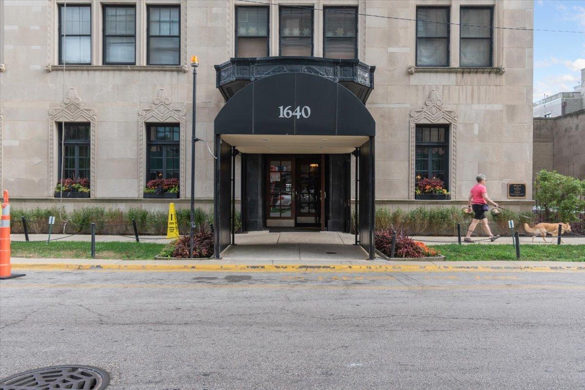 1640 E 50th Street Unit 17B, Chicago IL 60615