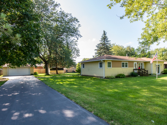 612 Russell Avenue, Winthrop Harbor IL 60096