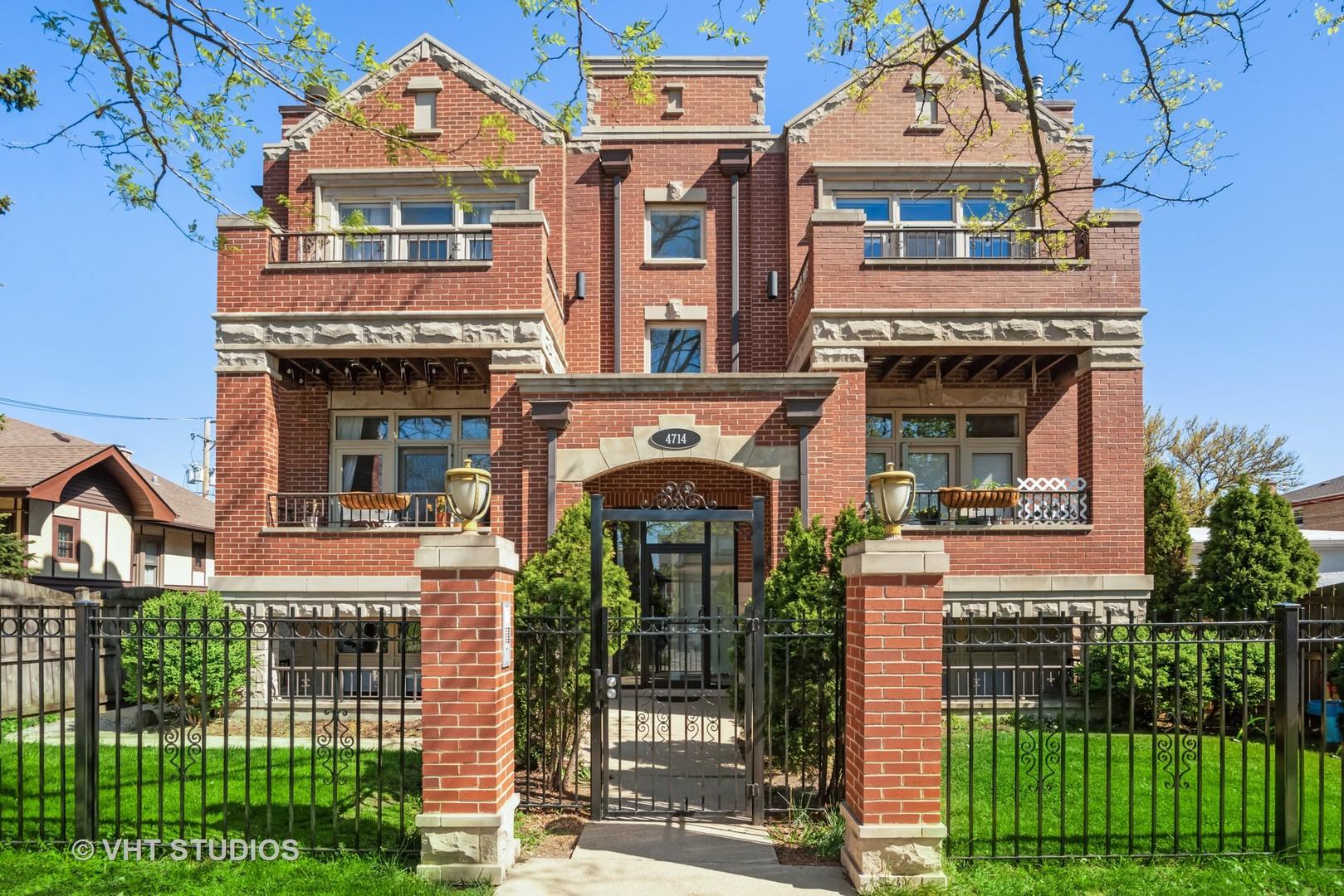 4714 W Berteau Avenue Unit 2E, Chicago IL 60641