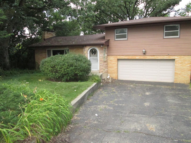 158 Castlewood Drive, Carpentersville IL 60110