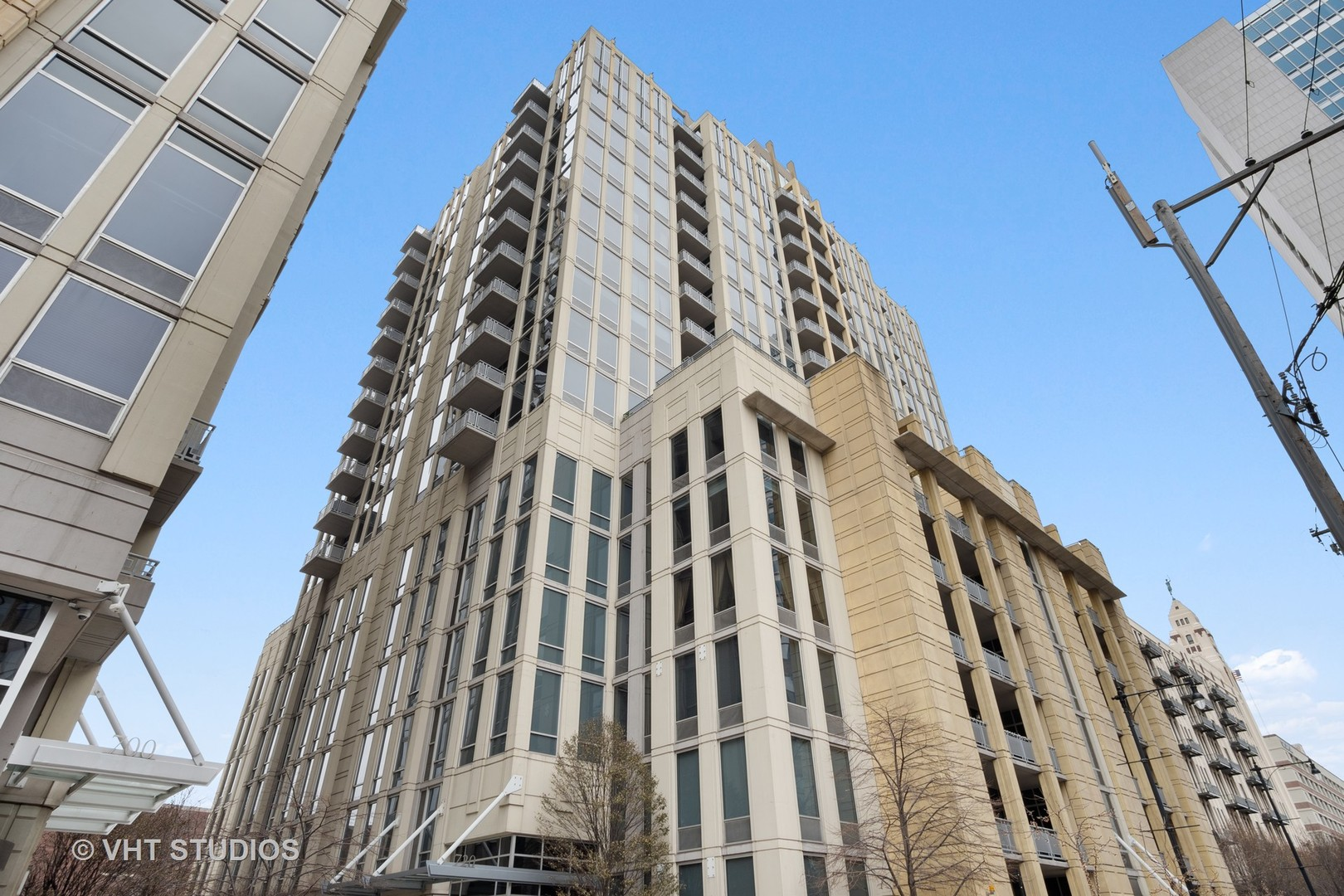 720 N LARRABEE Street Unit 1006, Chicago IL 60654