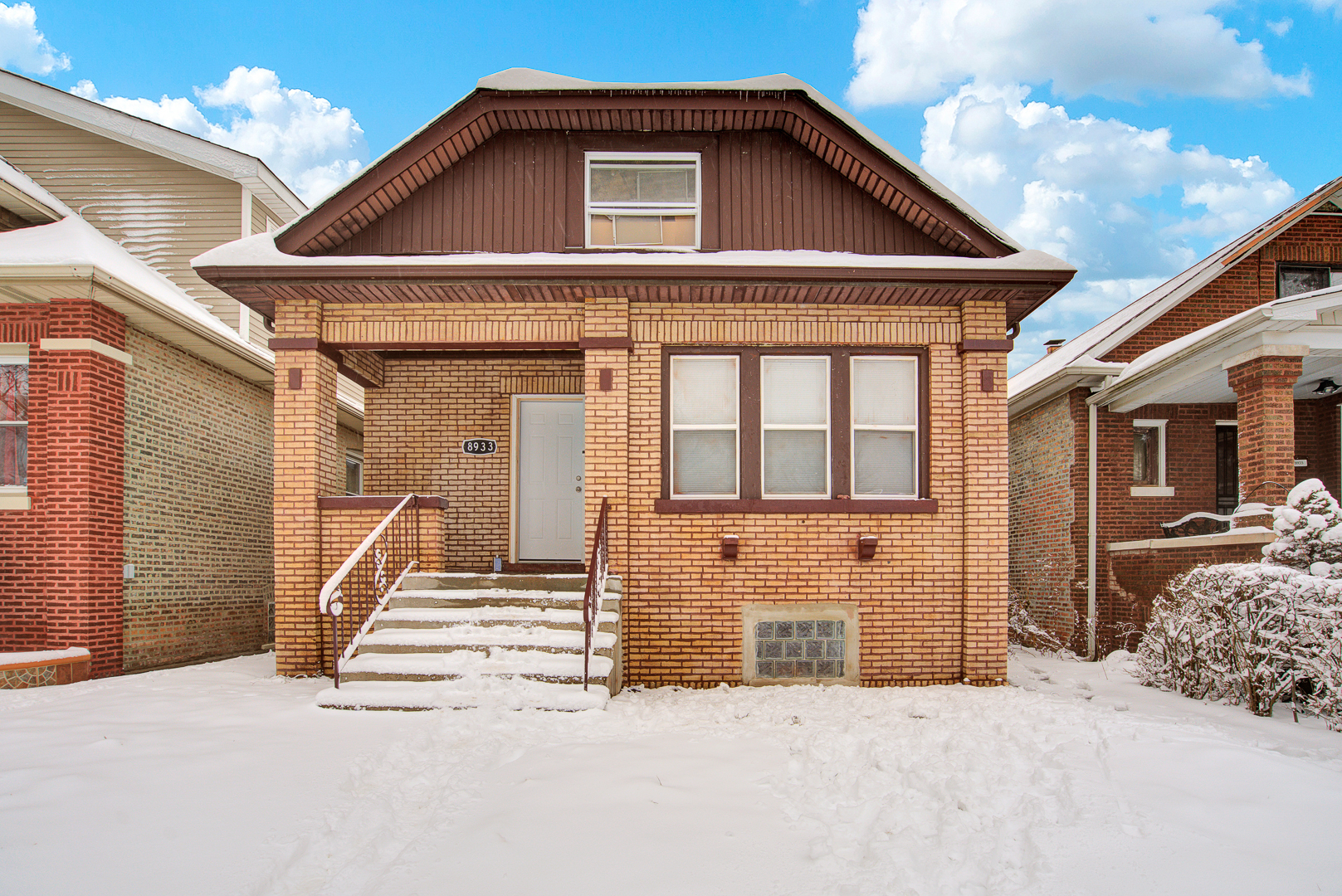 8933 S May Street, Chicago IL 60620