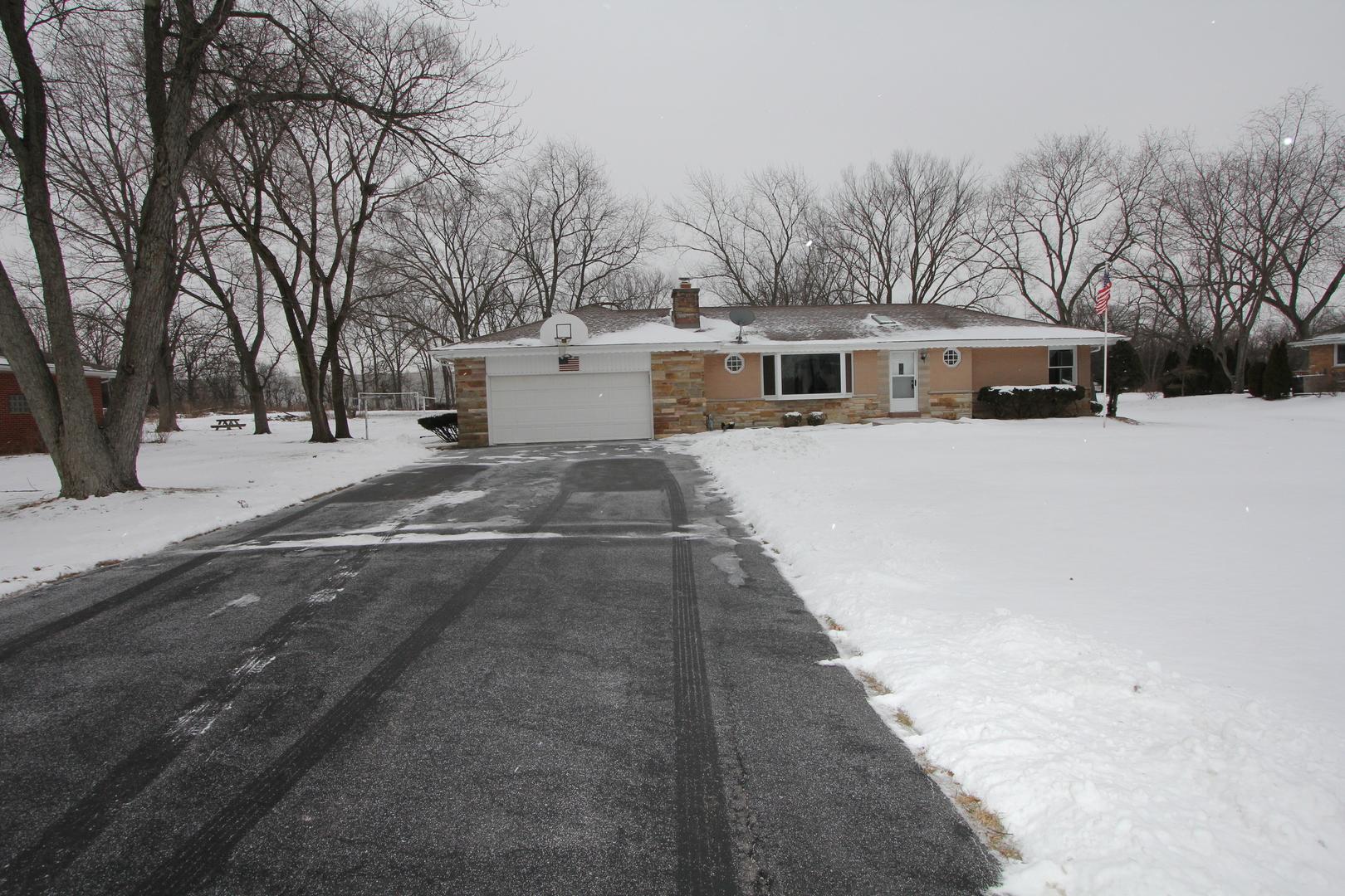 14115 W Linden Lane, Libertyville IL 60048