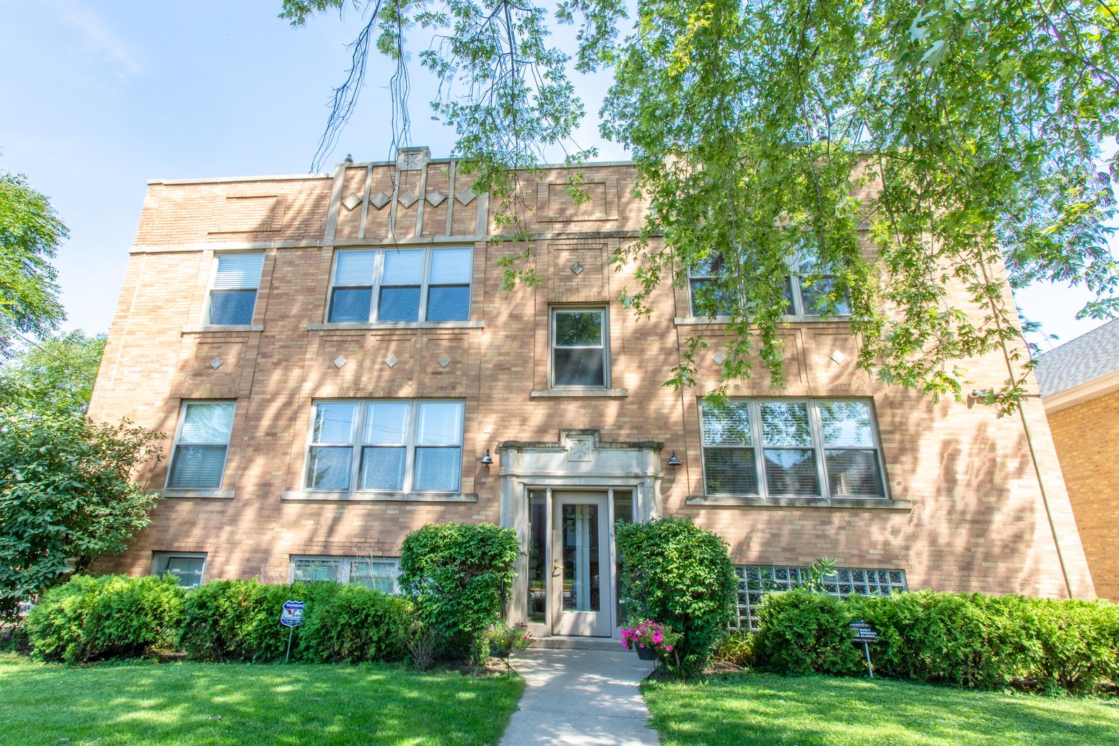 2456 W Grace Street Unit 2E, Chicago IL 60618