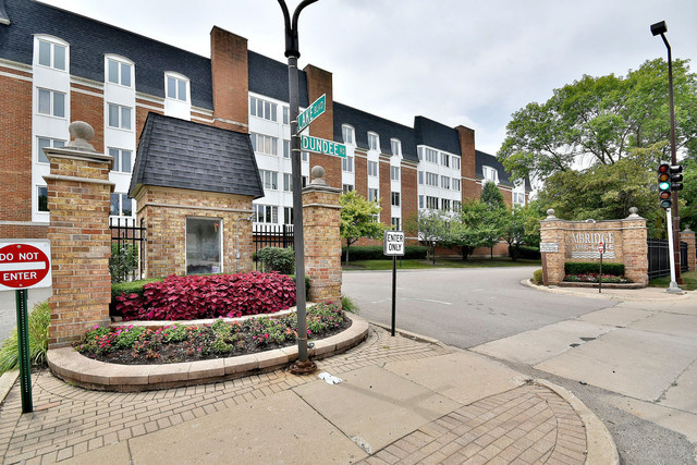 200 Lake Boulevard Unit 408, Buffalo Grove IL 60089