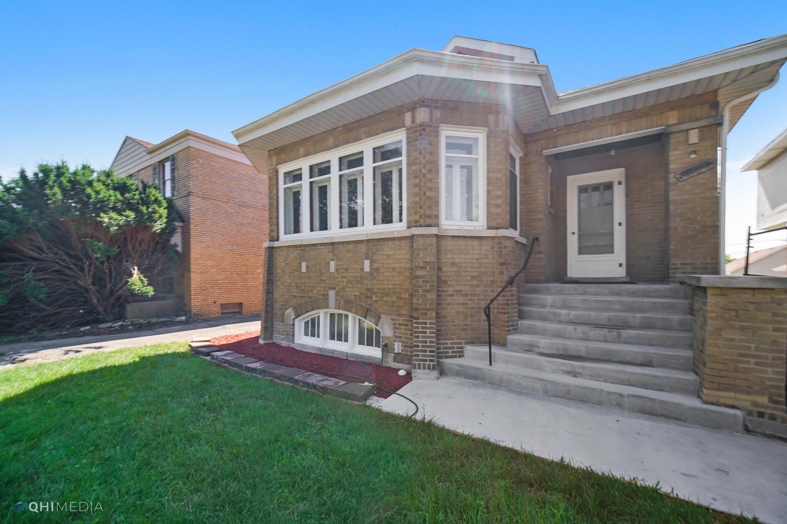 10122 S Oakley Avenue, Chicago IL 60643