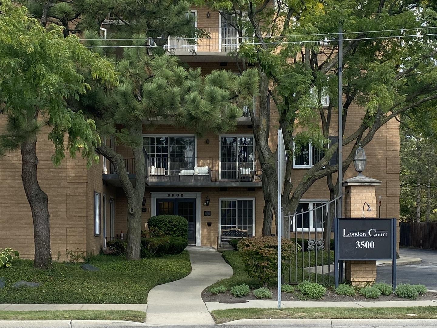 3500 Church Street Unit 402, Evanston IL 60203