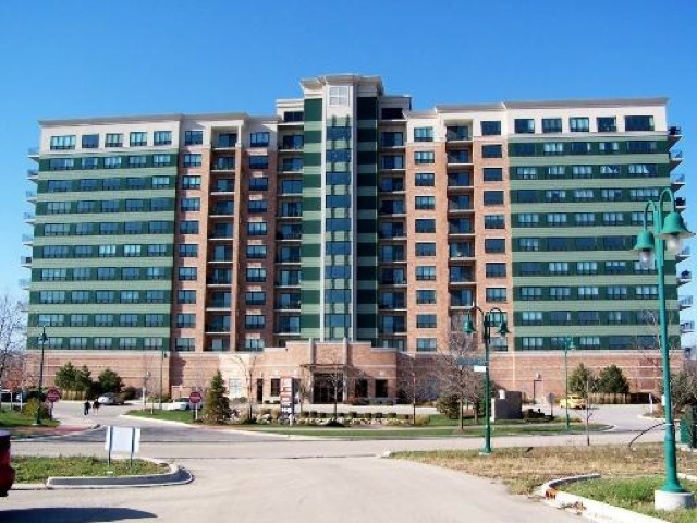 6420 Double Eagle Drive Unit 913, Woodridge IL 60517