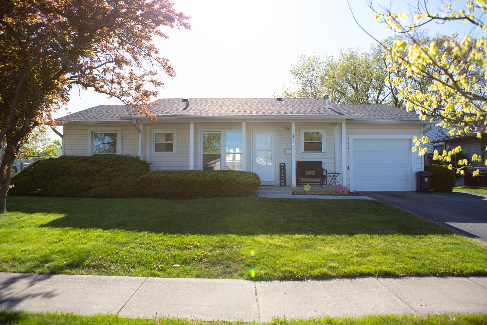 1092 Cernan Court, Elk Grove Village IL 60007