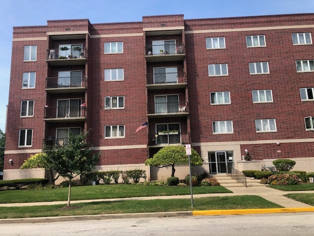 1330 Perry Street Unit 402, Des Plaines IL 60016