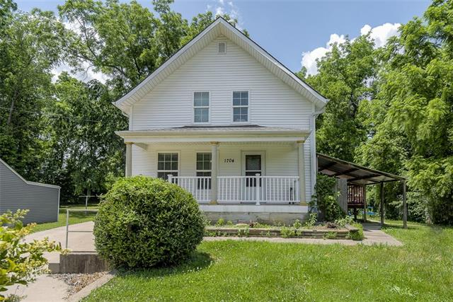 1704 S Scott Avenue, Independence MO 64052