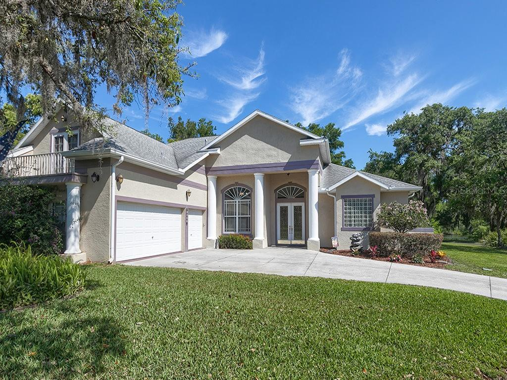 8841 WHISPERING OAKS TRL, New Port Richey FL 34654