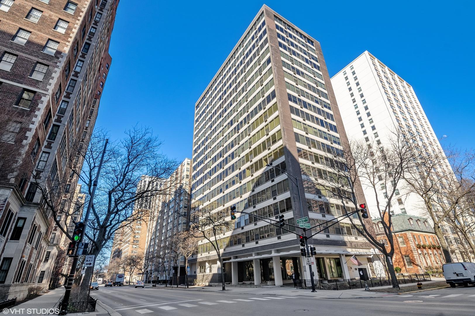 360 W Wellington Avenue Unit 4F, Chicago IL 60657