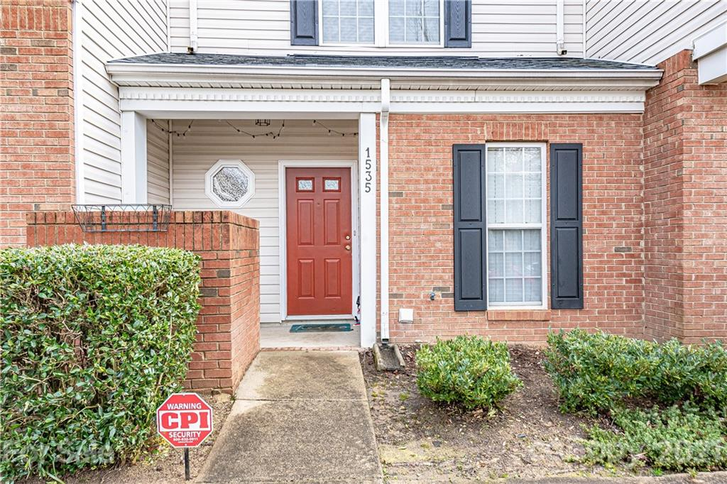 1535 Sylvia Court, Charlotte NC 28205