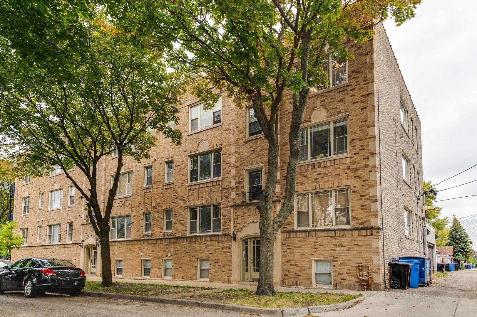3650 W BERTEAU Avenue Unit 1, Chicago IL 60618