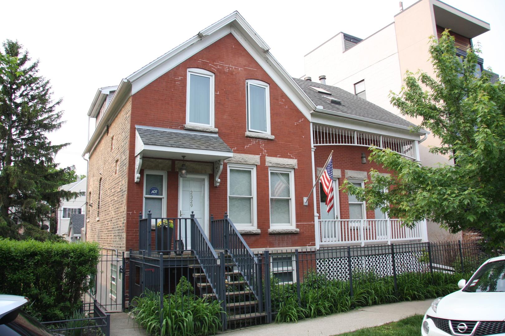 2327 W LYNDALE Street, Chicago IL 60647
