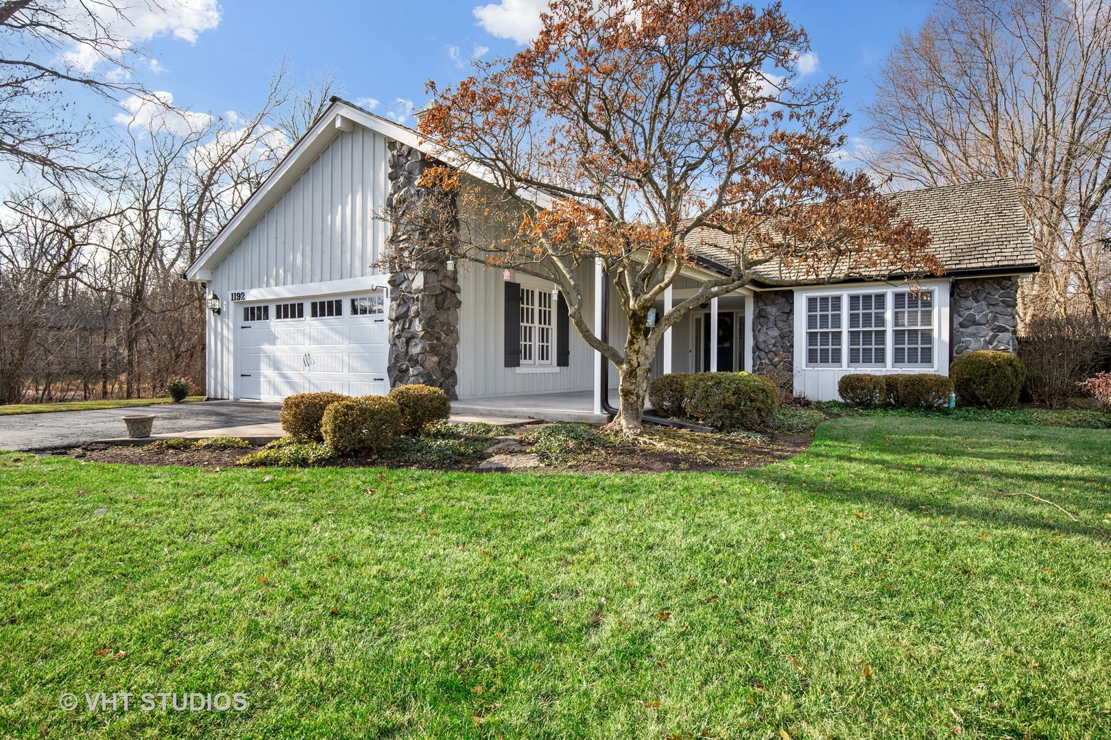 1192 S West Fork Drive, Lake Forest IL 60045