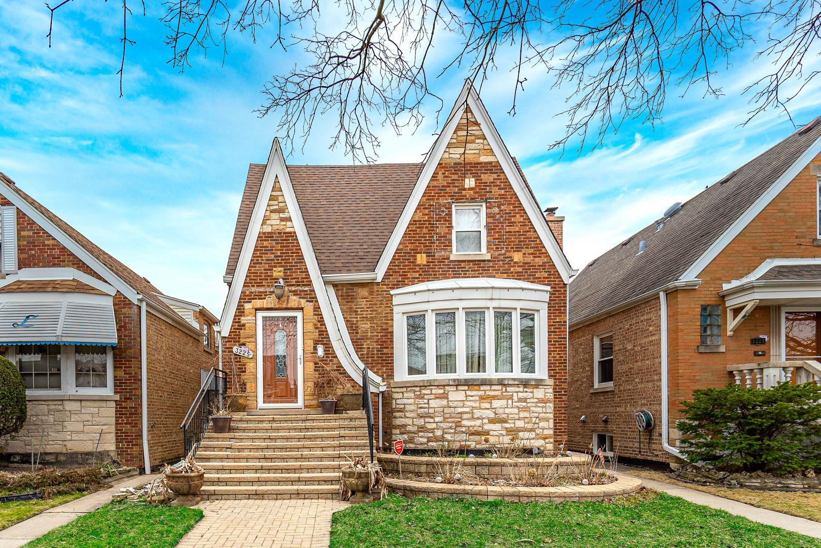 3225 N Neva Avenue, Chicago IL 60634