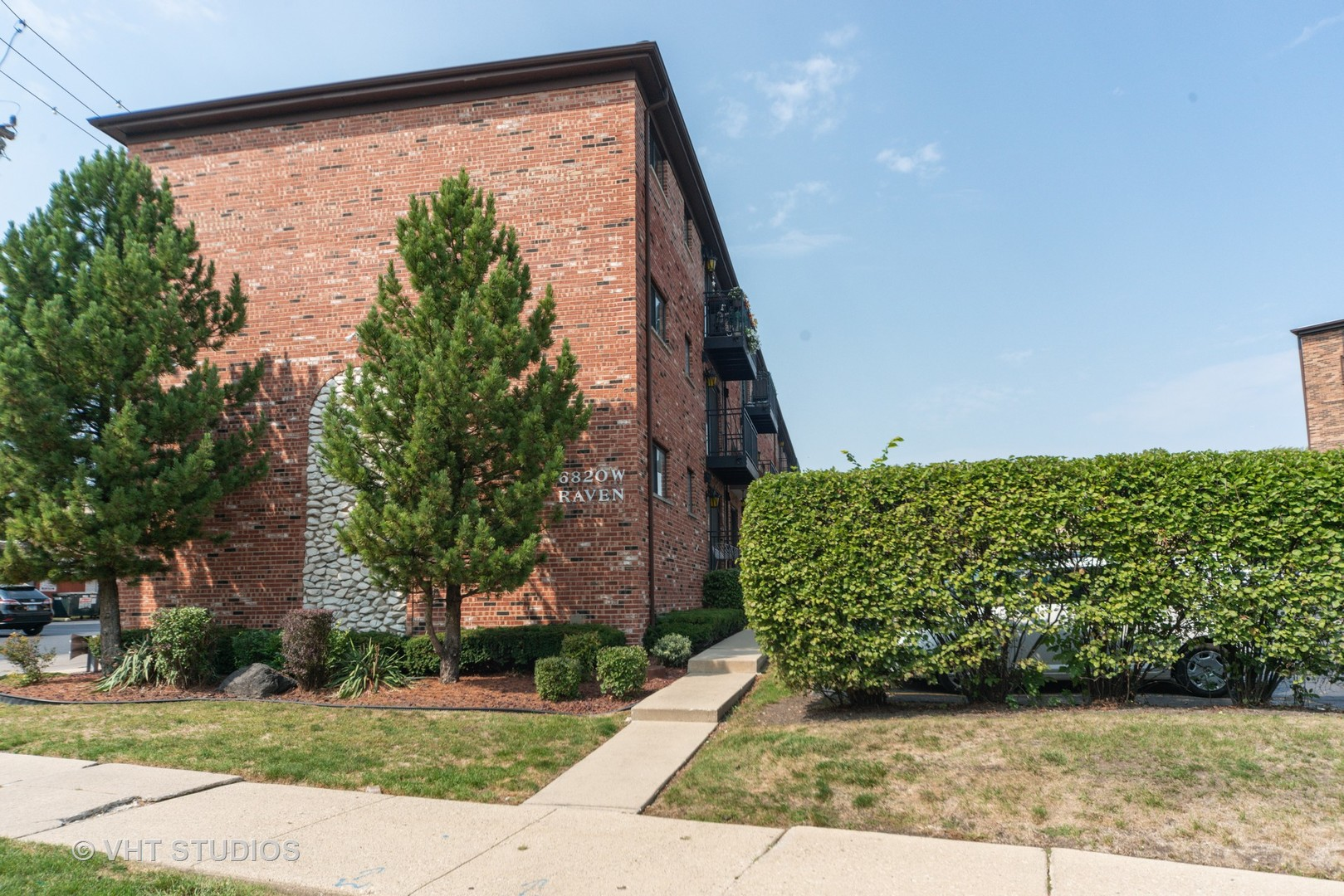 6820 W Raven Street Unit 3B, Chicago IL 60631