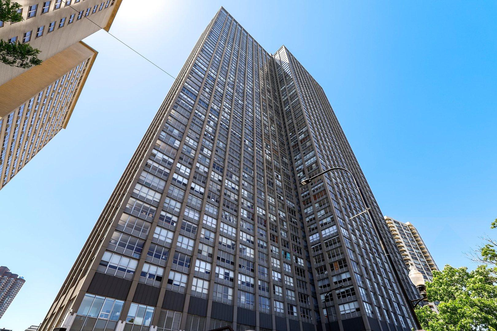 655 W Irving Park Road Unit 402, Chicago IL 60613