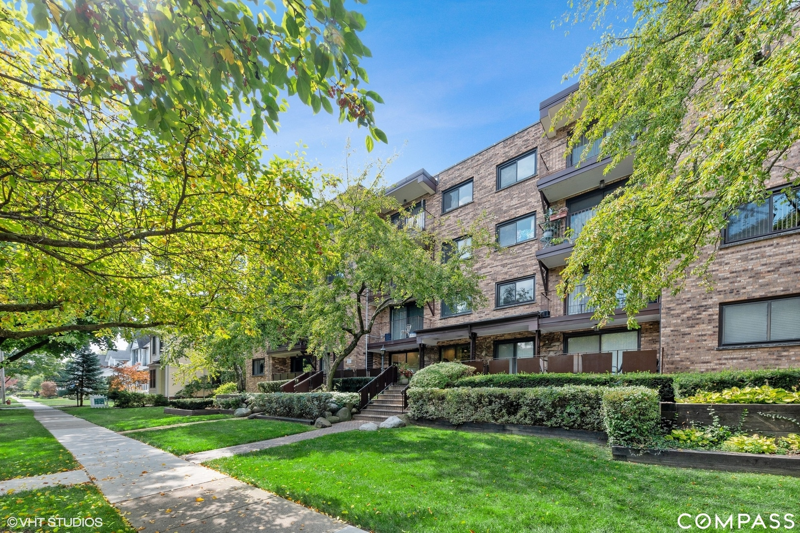 100 S VAIL Avenue Unit 402, Arlington Heights IL 60005