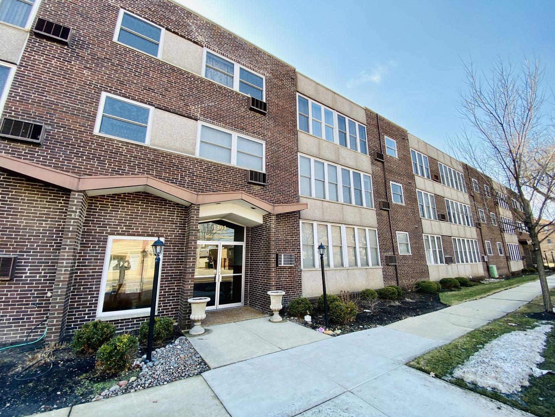 1301 W Touhy Avenue Unit 214, Park Ridge IL 60068