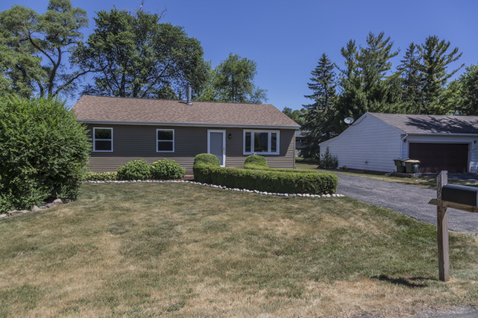 392 MAPLEWOOD Drive, Antioch IL 60002