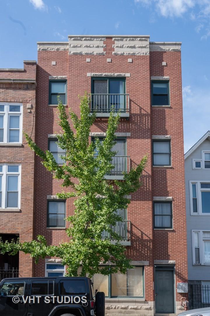 3240 N Sheffield Avenue Unit 1, Chicago IL 60657