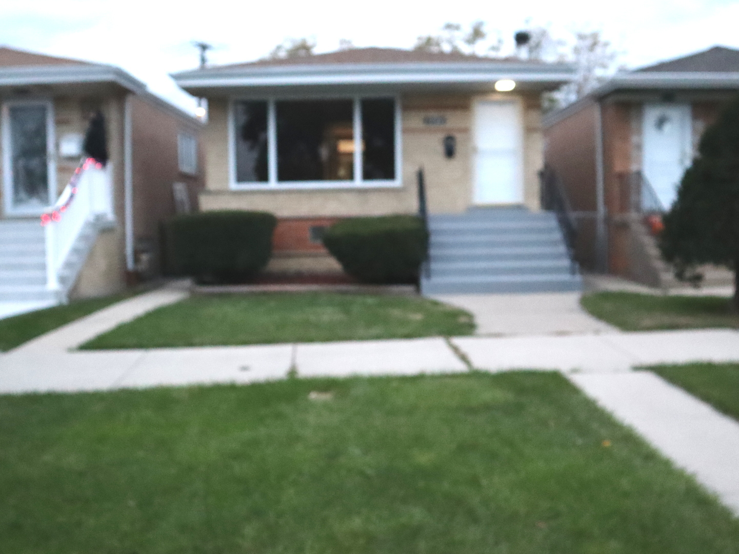 7126 W 63rd Place, Chicago IL 60638