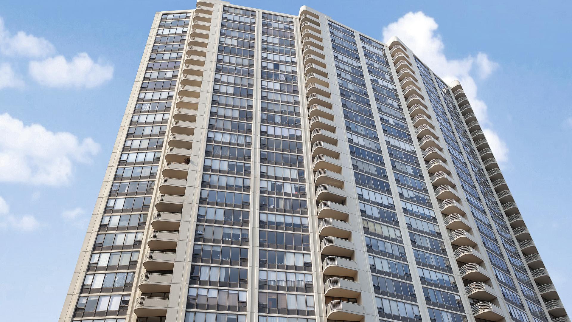 3930 N Pine Grove Avenue Unit 613, Chicago IL 60613