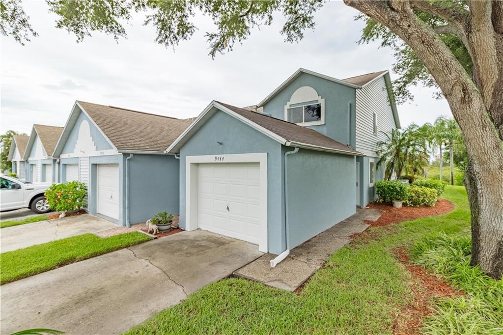 9444 TARA CAY CT #30, Seminole FL 33776
