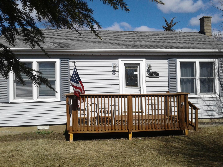 1324 Thornwood Lane, Crystal Lake IL 60014