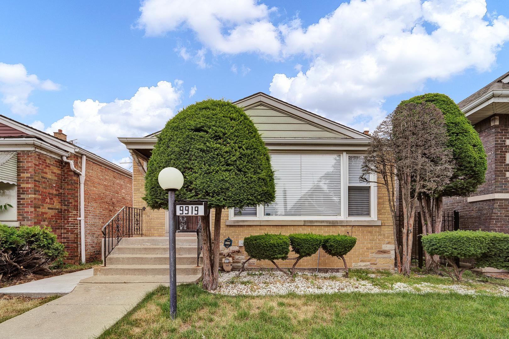 9919 S Carpenter Street, Chicago IL 60643
