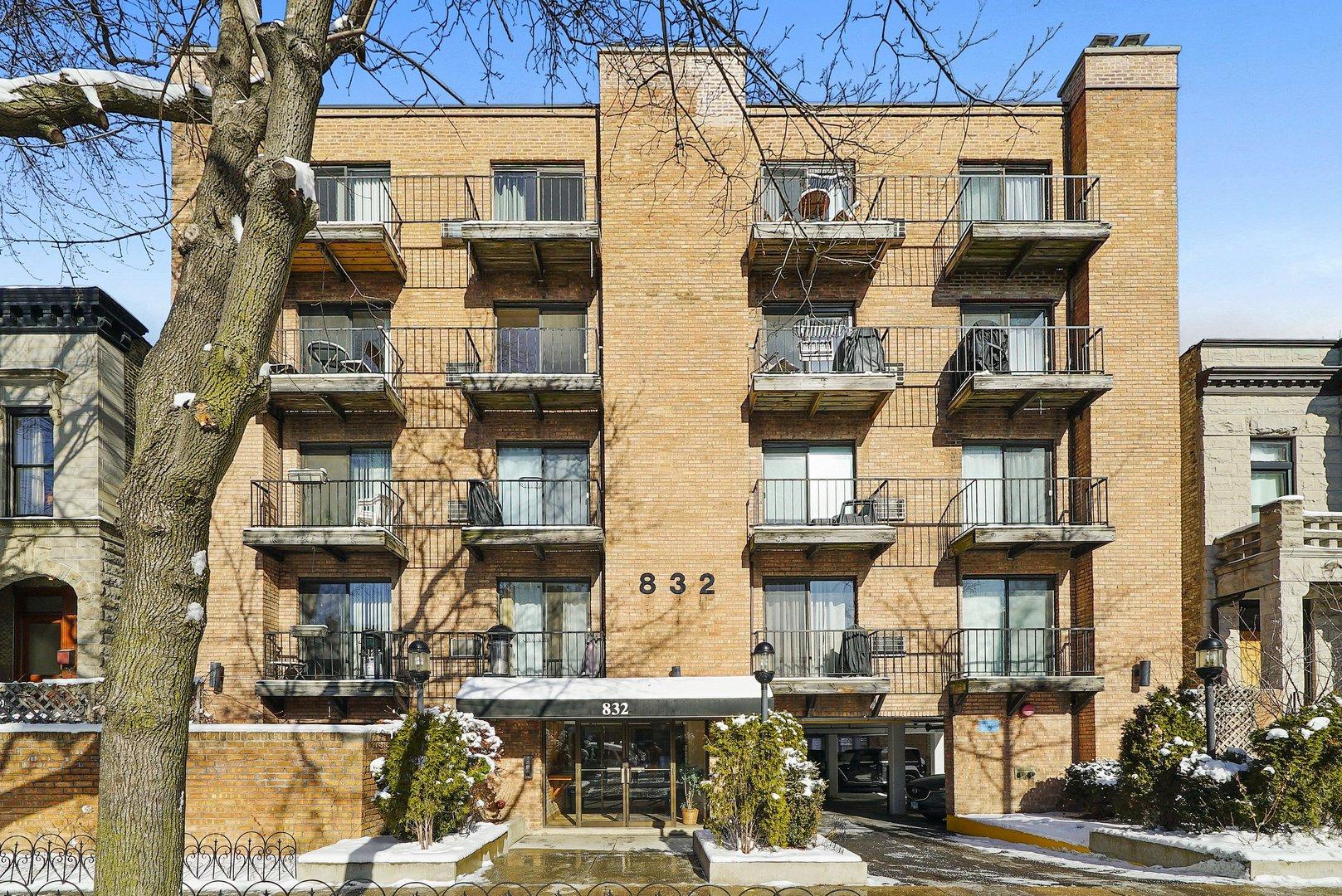 832 W OAKDALE Avenue Unit 3E, Chicago IL 60657
