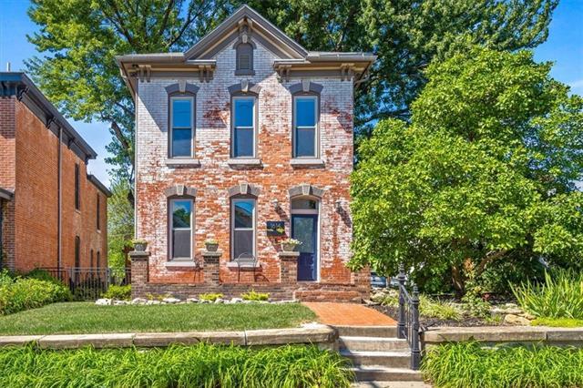 1614 SUMMIT Street, Kansas City MO 64108